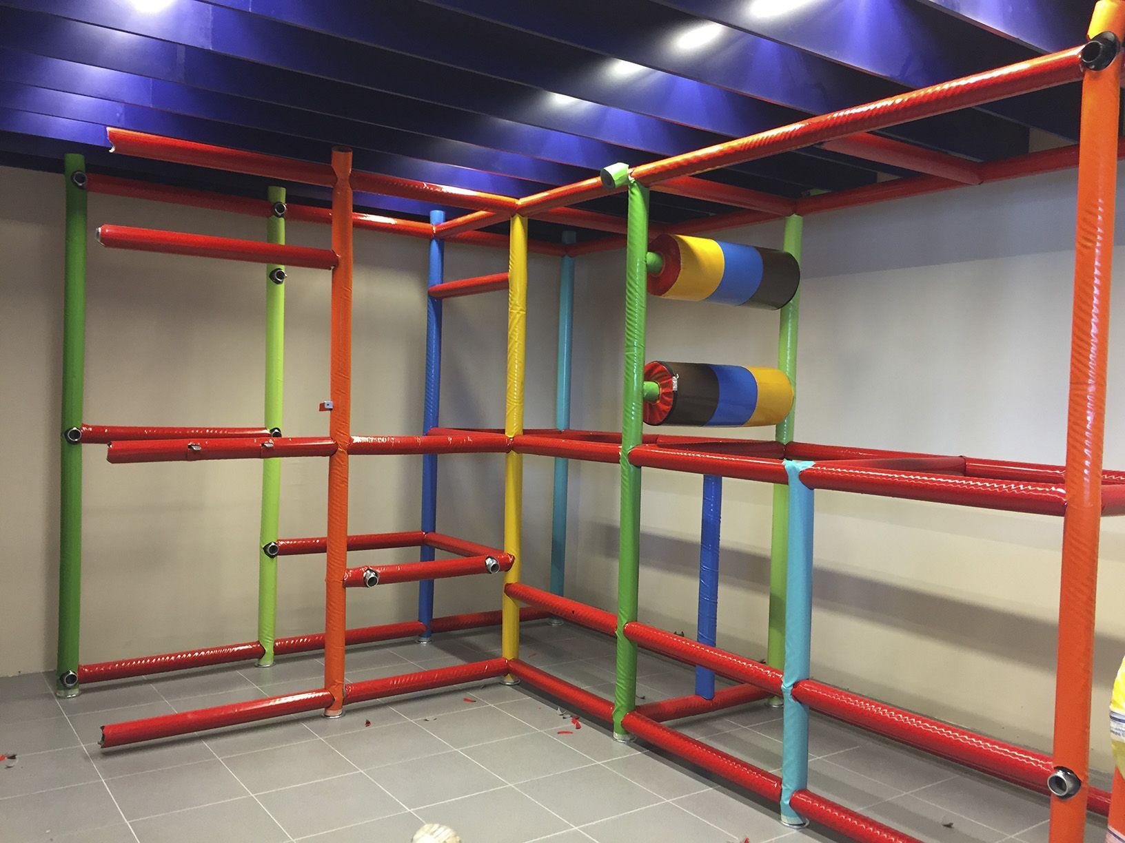 muntatge parc de boles infantil